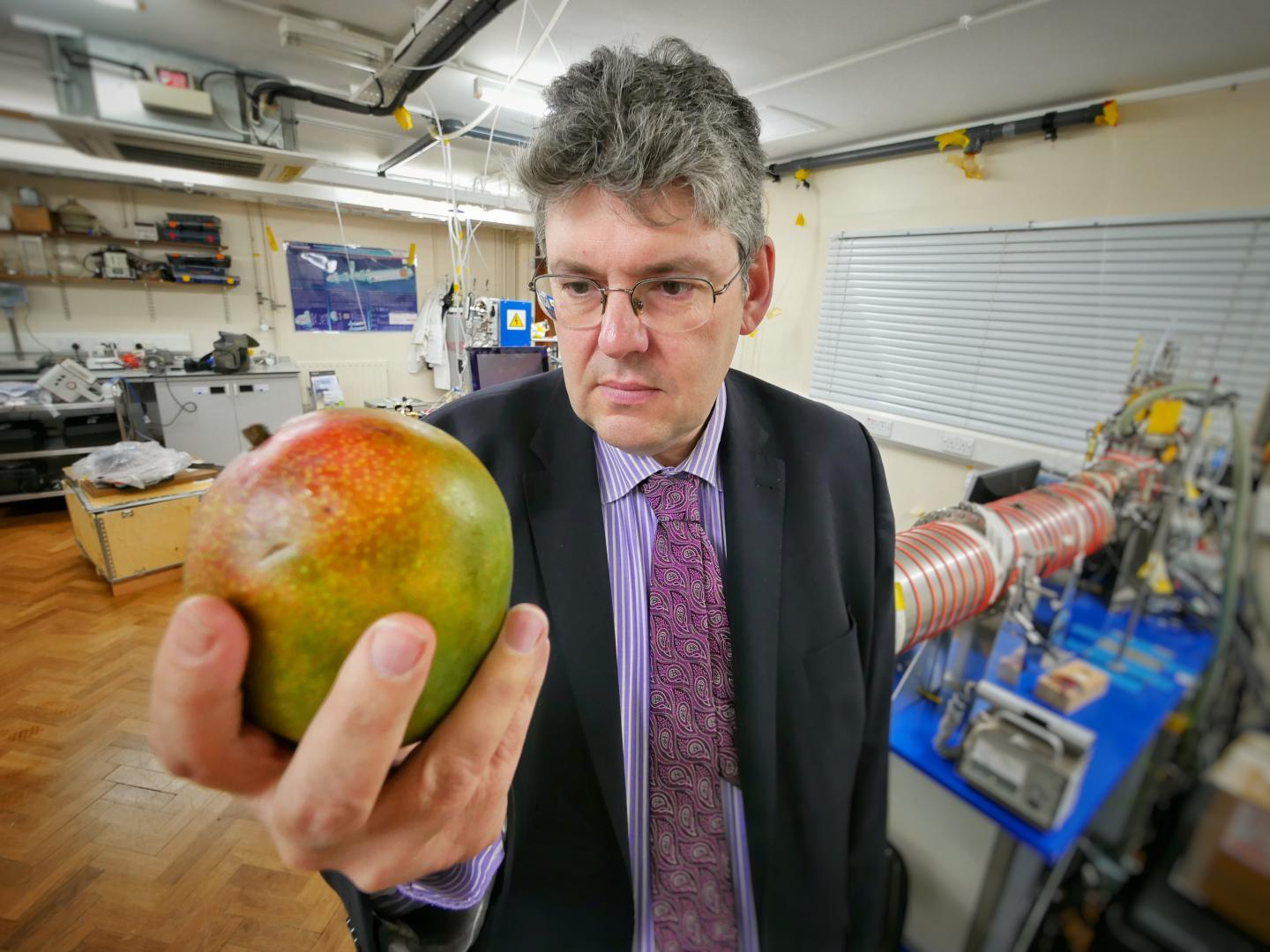 University of Leicester scientists identify way to 'sniff' ripeness of fruit