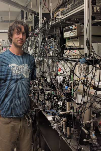 Stanford graduate student Brannon Klopfer helped develop the multi-pass microscope described in the current edition of Nature Communications. Credit: Thomas Juffmann