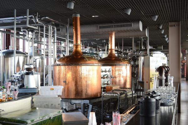 Equipment at a brewery. Photo: FTGallo / Wikipedia.
