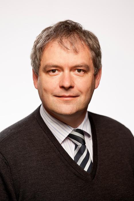 Professor Dr. Siegfried Waldvogel